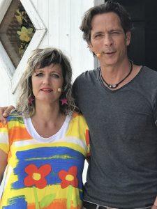 Birgit Rieck mit Jo Hiller vom NDR bei der Live Übertragung für mein Nachmittag aus unserem Geschäft ,,Die Kommode''